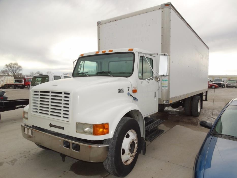 2000 Ihc 4700  Moving Van