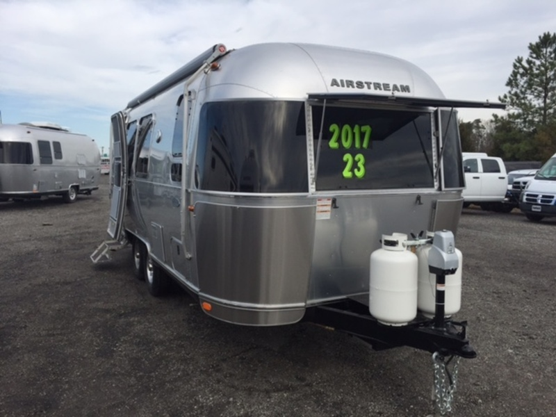 2017 Airstream FLYING CLOUD 23FB