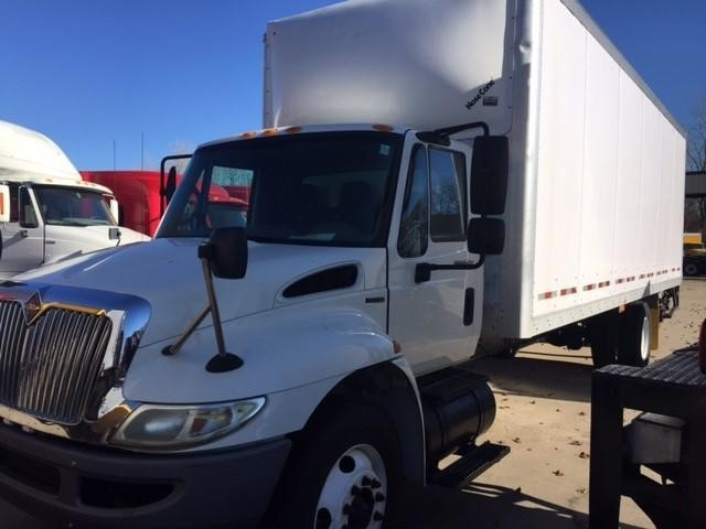2010 International 4300 Sba  Moving Van