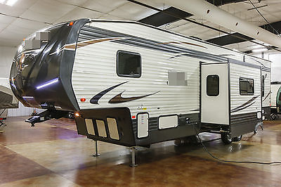 New 2016 Unleashed 373QSI Slide Out 5th Fifth Wheel Toy Hauler with Power Bunks