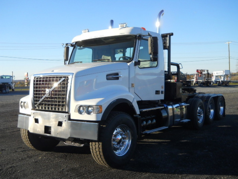 2012 Volvo Vhd104f Conventional - Day Cab