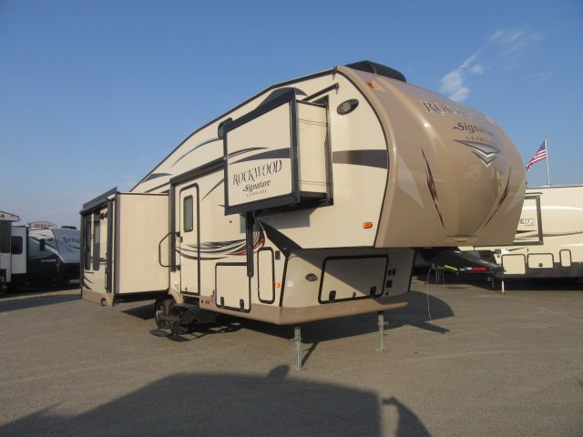 2015 Forest River Rockwood Signature Ultra Lite 8289WS