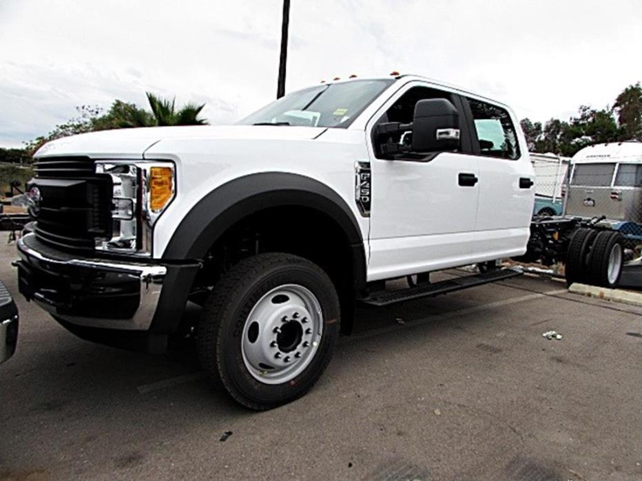 2017 Ford Super Duty F-450 Drw  Cab Chassis