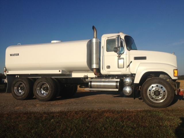 2007 Mack Chn613  Water Truck