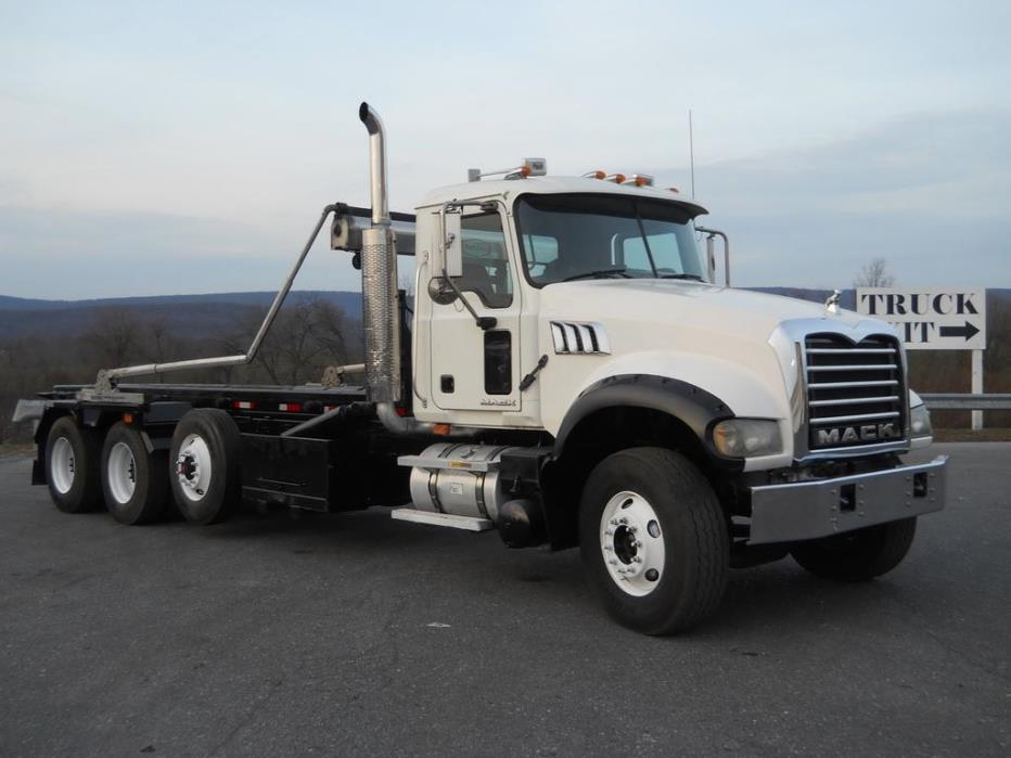 2007 Mack Granite Roll Off Truck