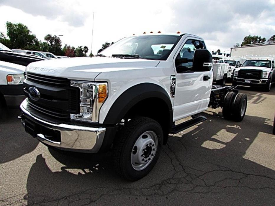 2017 Ford Super Duty F-450 Drw  Pickup Truck