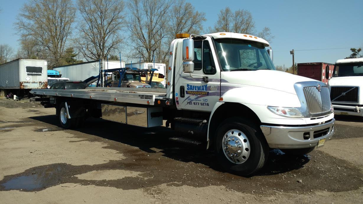 2007 International 4400  Flatbed Truck