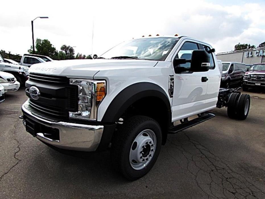 2017 Ford Super Duty F-550 Drw  Contractor Truck