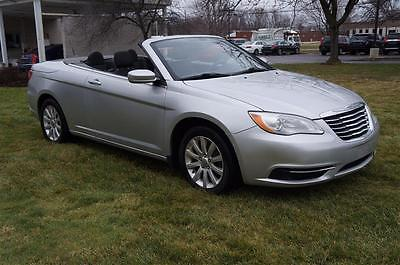 2011 Chrysler 200 Series Touring CONVERTIBLE HEATED SEATS REMOTE START V6 2011 CHRYSLER 200 Touring CONVERTIBLE HEATED SEATS REMOTE START V6