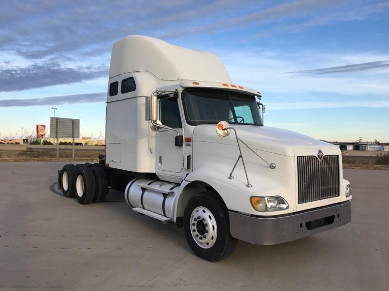 2007 Navistar 9400  Conventional - Sleeper Truck