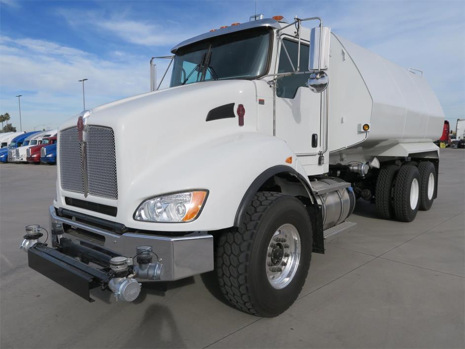 2017 Kenworth T440  Water Truck