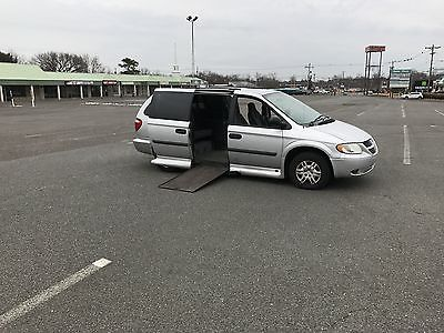 2005 Dodge Grand Caravan 3.3 VAN WHEELCHAIR HANDICAP ACCESS 2005 DODGE CARAVAN  KNEELING BRAUN POWER ENTRY