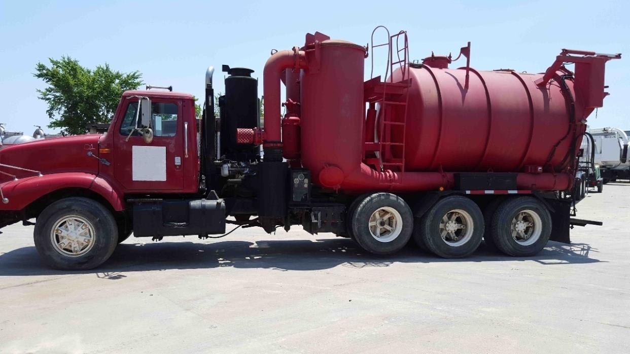 1997 International 2674  Vacuum Truck