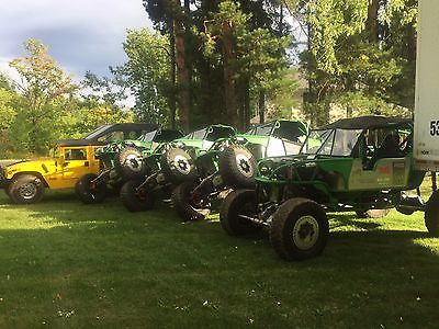 Hummer: H1 H1 Hummer and four Rock Crawlers as Package