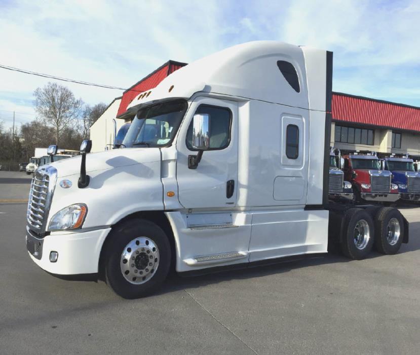 sleeper truck for sale in nashville tennessee. Black Bedroom Furniture Sets. Home Design Ideas