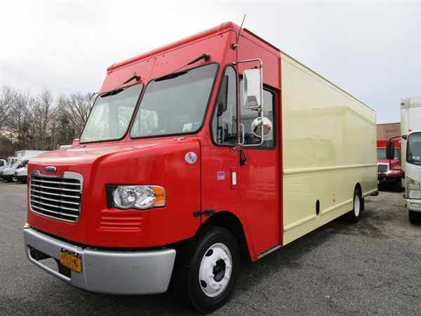 2012 Fcc Mt55 Chassis  Box Truck - Straight Truck