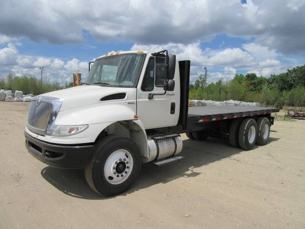 2011 International Durastar 4400 Flatbed Truck