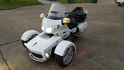 2005 Honda Gold Wing  2005 HONDA GOLD WING GL1800 WITH 2017 FRONT WHEEL PROWLER RT TRIKE