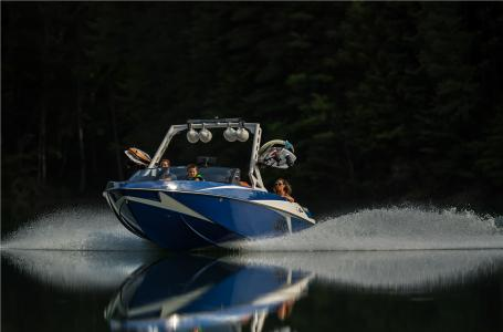 2017 Axis Wake Research T22