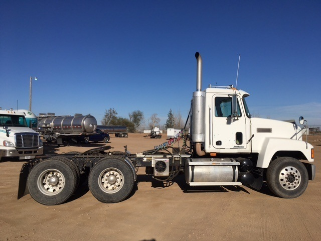 1999 Mack Ch613 Cab Chassis