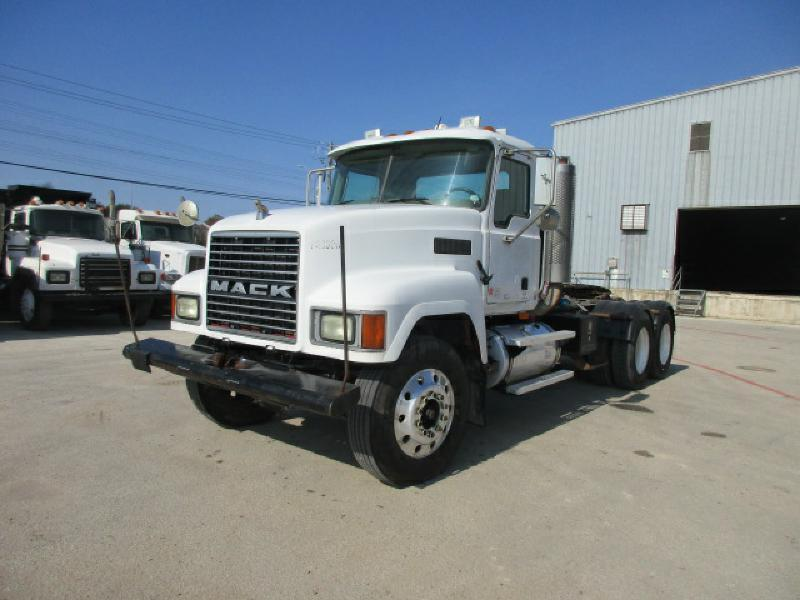 2003 Mack Ch613  Conventional - Day Cab