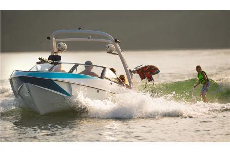 2017 Malibu Boats LLC 21 vlx