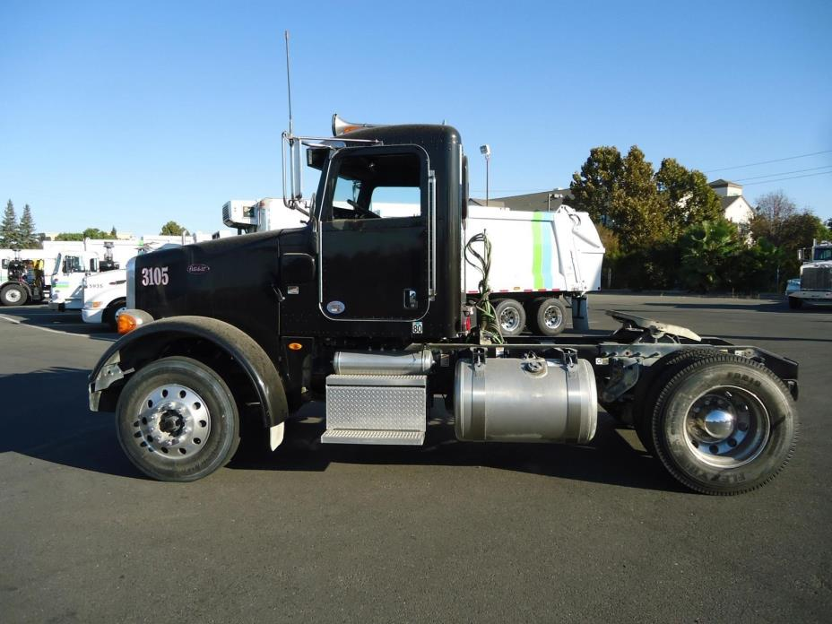 2013 Peterbilt 365 Conventional - Day Cab