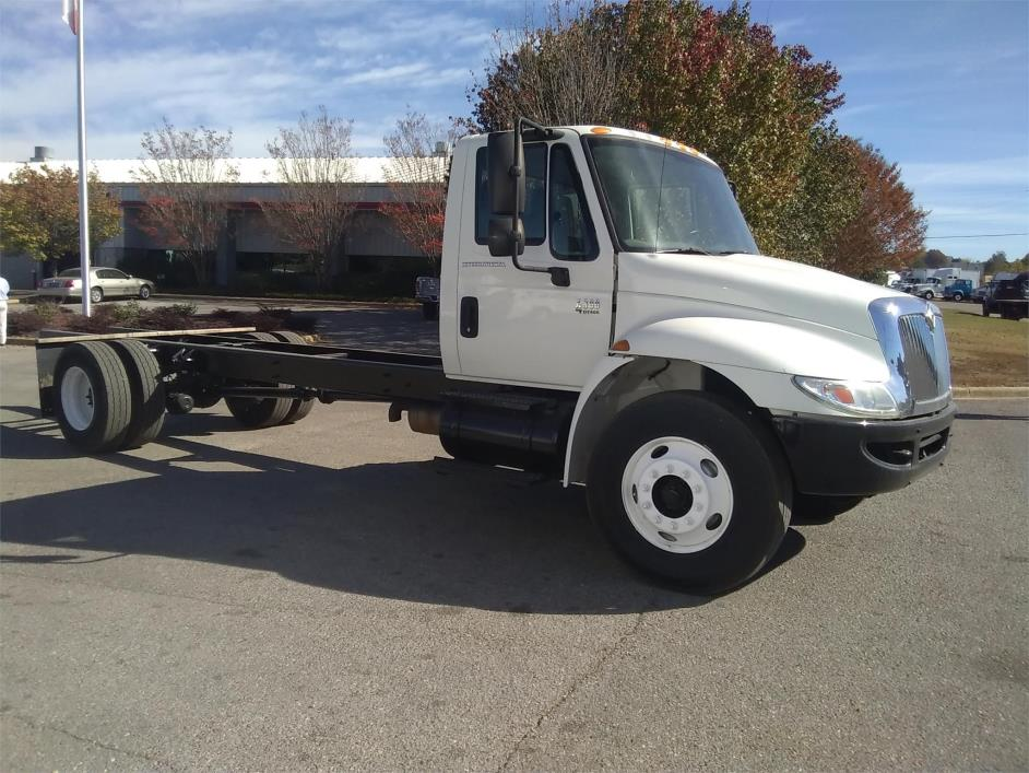 2004 International Durastar 4300 Cab Chassis