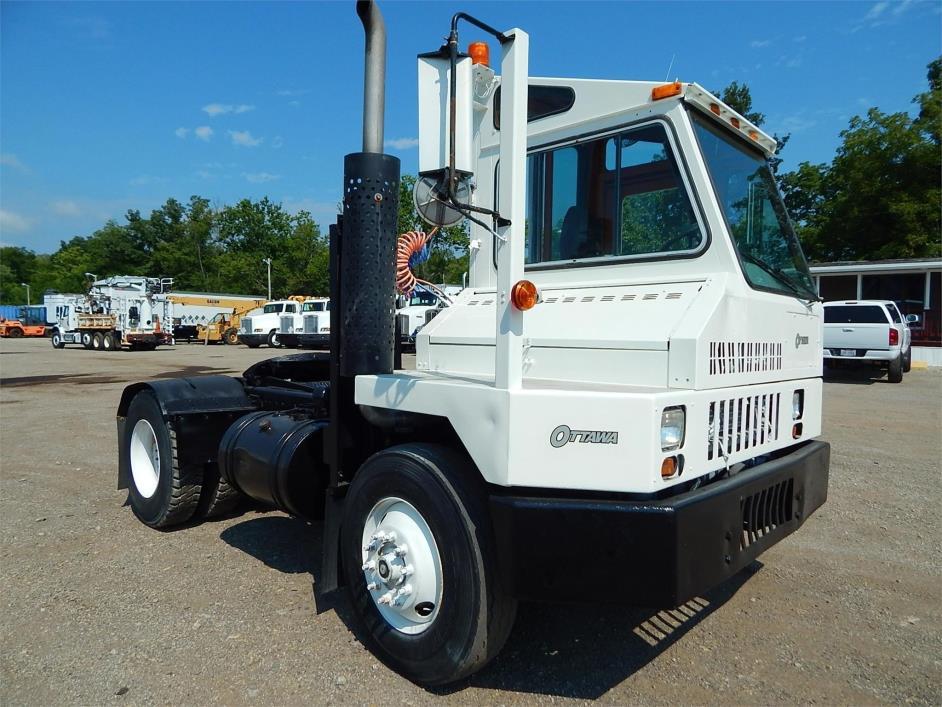 1997 Ottawa 30 Yard Spotter Truck