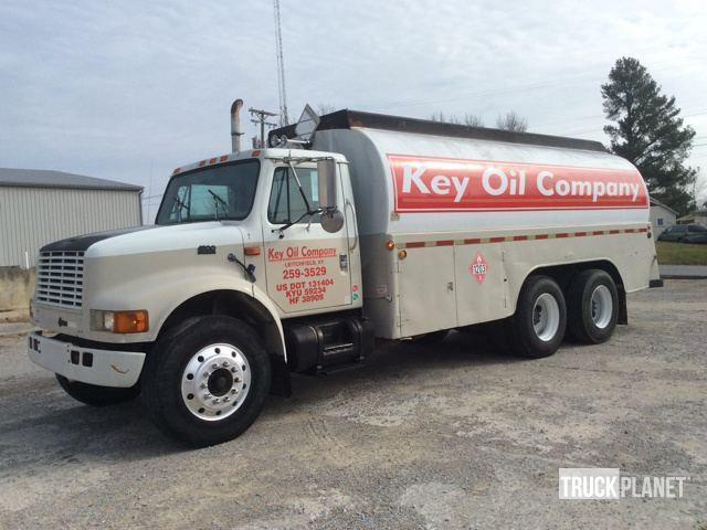 1995 International 4900  Fuel Truck - Lube Truck