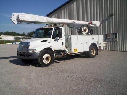 2008 International Durastar 4300 Bucket Truck - Boom Truck