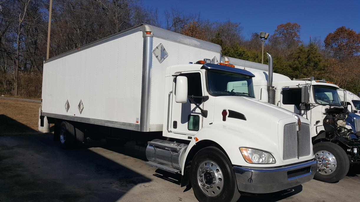 2010 Kenworth T300  Box Truck - Straight Truck