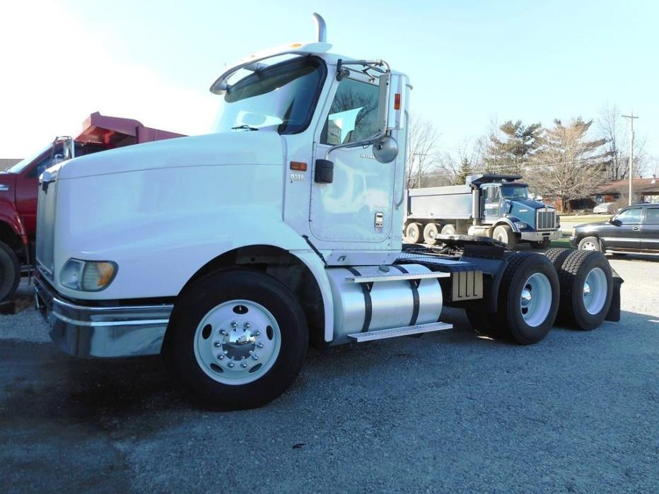 2005 International 9200 Conventional - Day Cab