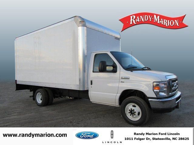 2016 Ford Econoline Commercial Cutaway  Box Truck - Straight Truck