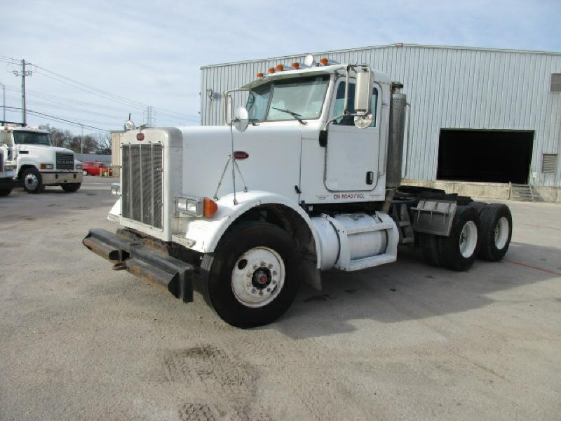 2006 Peterbilt 378 Conventional - Day Cab