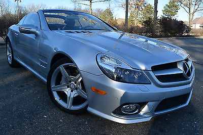 2011 Mercedes-Benz SL-Class AMG PACKAGE-EDITION Convertible 2011 Mercedes-Benz SL550 Convertible 2-Door 5.5L/Navi/Leather/Sensors/Xenon