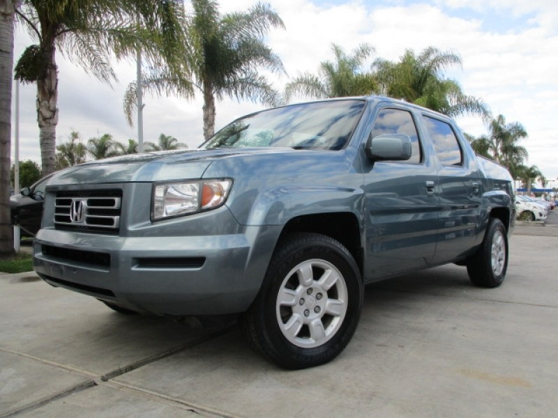 2006 Honda Ridgeline RTL 4WD w/ Leather & Bed Cover Well Maintained !!