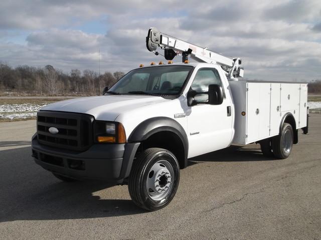 2007 Ford F550 Xl Super Duty, 18' Crane Truck, 750  Contractor Truck