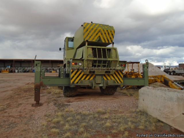 Drott 30-Ton Rough Terrain Crane