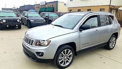 2016 Jeep Compass Sport SE 4x4 4X4 Sport SE Leather heated seats Alloy wheels 2.4 L CD ABS Full power Like new