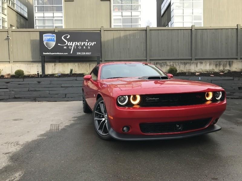 2016 Dodge Challenger 2dr Cpe R/T Scat Pack Shaker