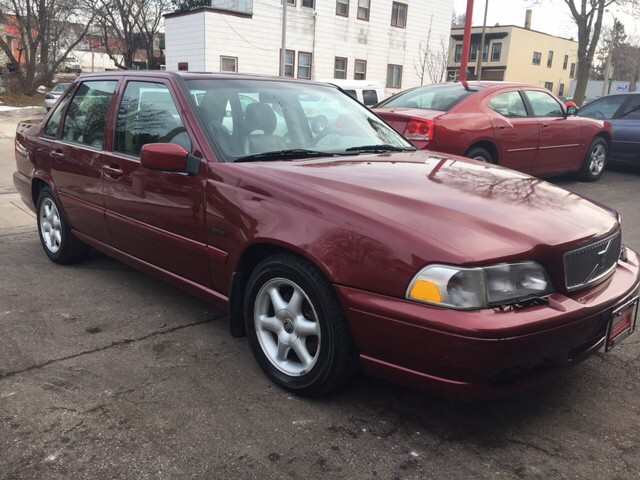 1998 Volvo S70 Base 4dr Sedan