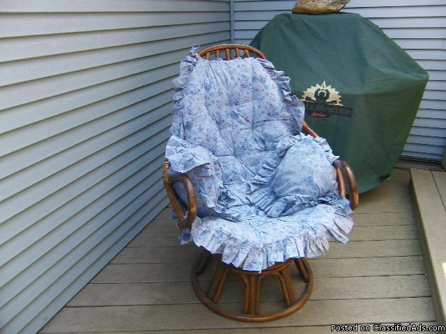 Wicker Swival/rocker chair