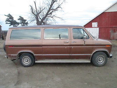 1989 Ford E-Series Van xlt ClubWagon E150 XLT-Super Clean In & Out/Vacation Travel & Weekend Camping Ready!