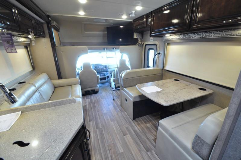 2017 Thor Motor Coach Quantum PD31 Luxury Class C RV for Sale