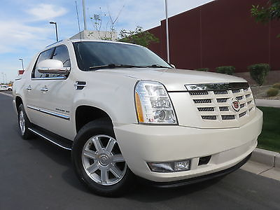 2013 Cadillac Escalade EXT LUXURY 2013 Cadillac Escalade EXT, 6.2L AWD, Luxury, Heat/Cool Seats, NAV, Xenon, Roof