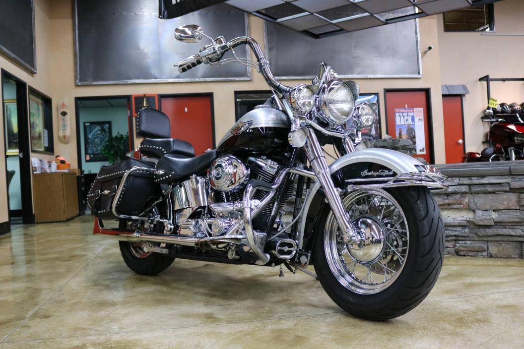 2003  Harley-Davidson  FLSTC/FLSTCI Heritage Softail Classic