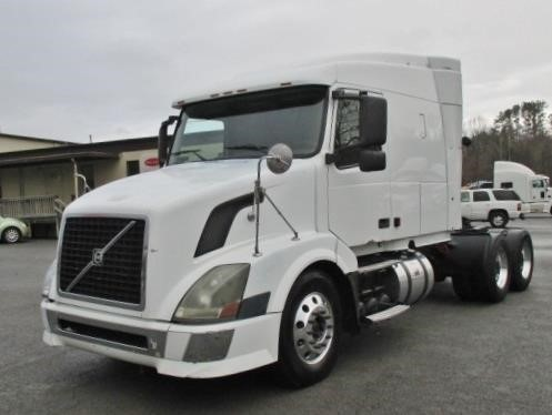 2005 Volvo Vnl64t630 Conventional - Sleeper Truck