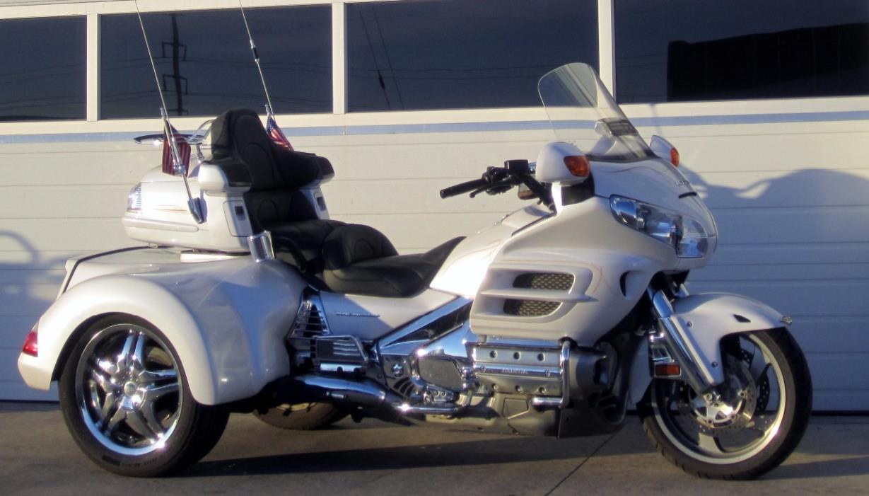 2008 Gold Wing 1800 Road Smith Navigation, Comfort Package, Raked