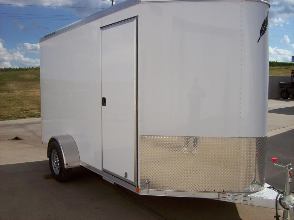 2016 Featherlite Trailers 1610-6712